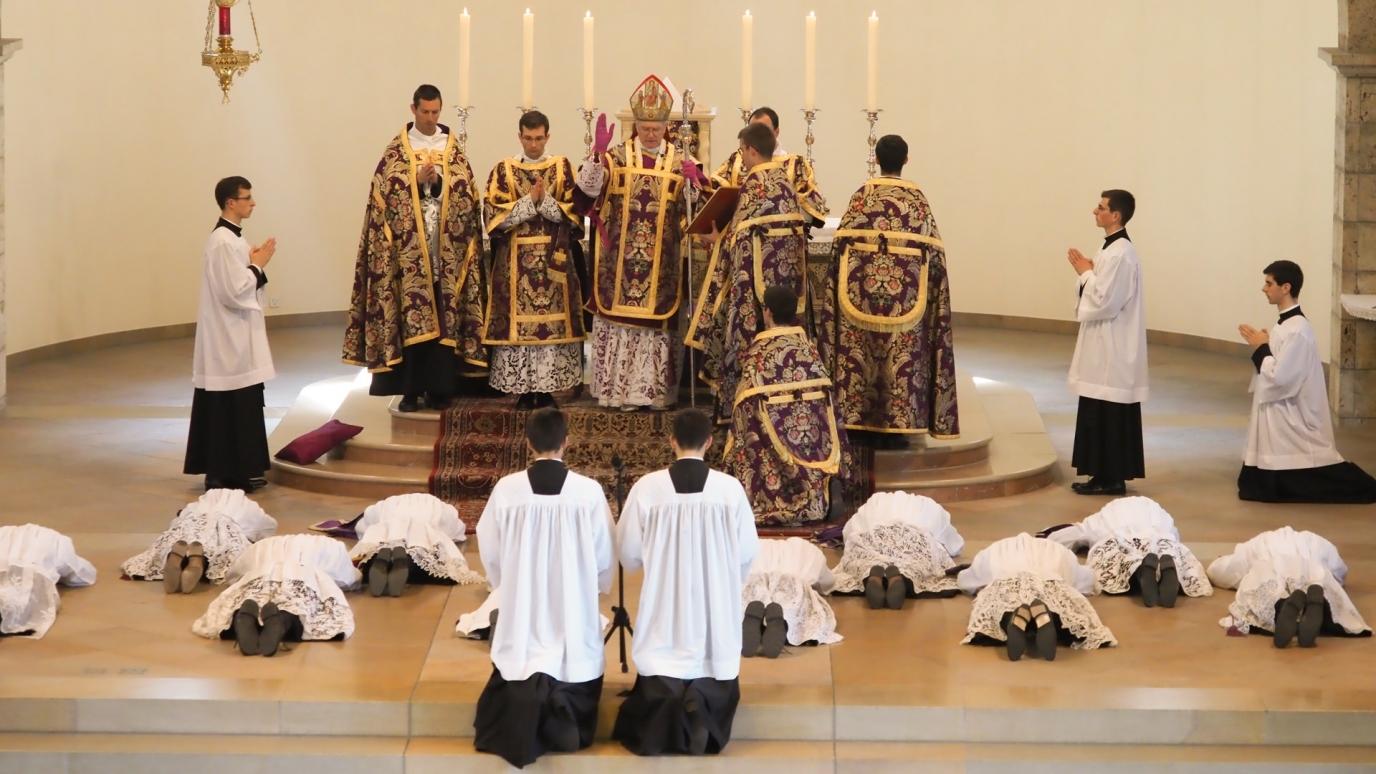 Prostration et Litanies de saints